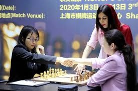 De Iraanse schaakscheidsrechtster Shohreh Bayat wil niet terug naar Iran