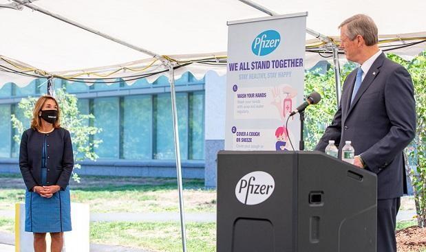 Vier vrijwilligers van het experimentele coronavirusvaccin van Pfizer ontwikkelden de verlamming van Bell, de toezichthouder waarschuwt mensen met allergieën om het NIET te nemen